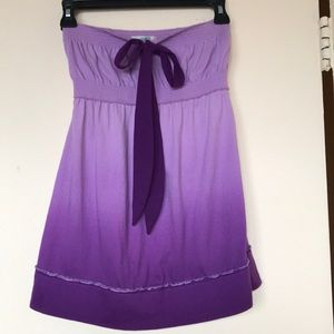 A cute purple top with an ombré coloring